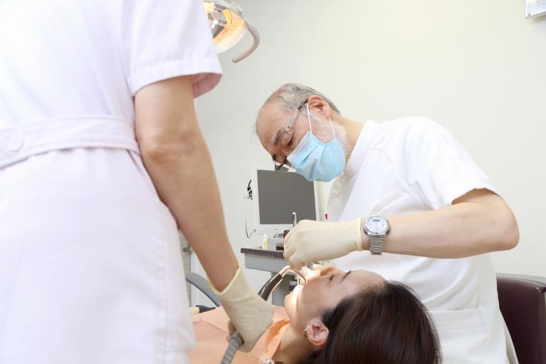 治療方法(入れ歯・ブリッジ・インプラント)